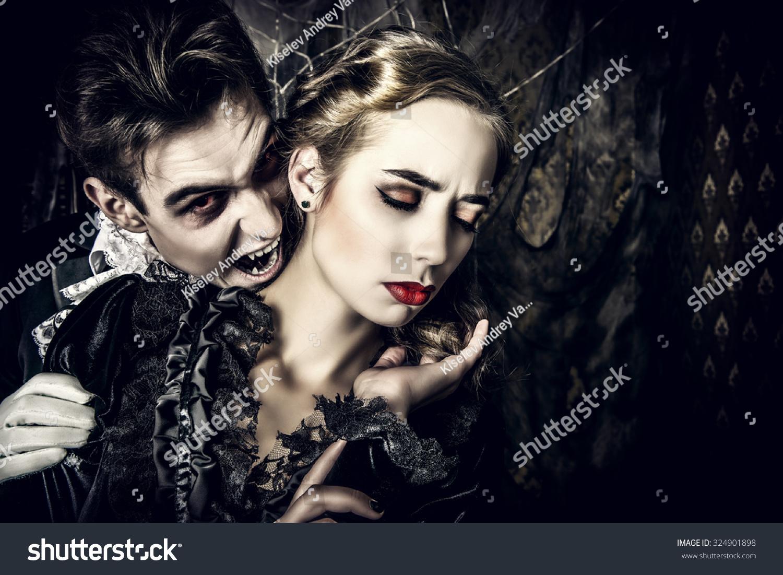 vampires biting people - photo #37