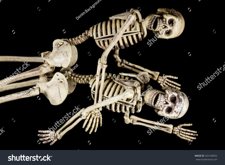 Halloween Sexskeletter, der har sex på sort foto-5745
