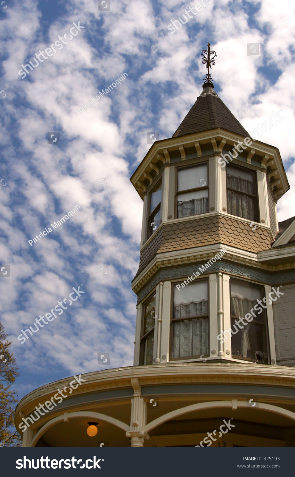 Windows cupola victorian farm house southern stock photo for Victorian cupola
