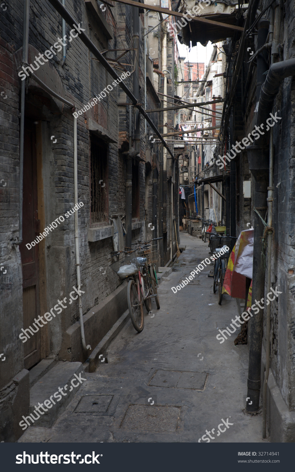 Traditional chinese alley old area shanghai stock photo for Chinese in the area