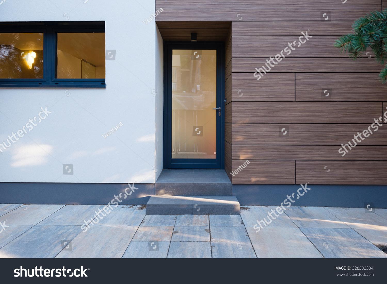 Modern House ntrance Stock Photo 328303334 : Shutterstock - ^