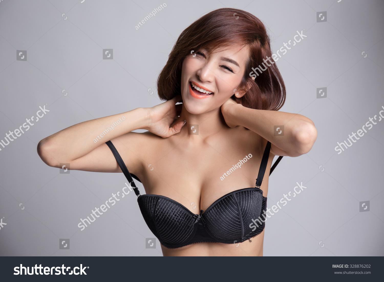 big-tits-in-black-bra-erotic-cock-videos