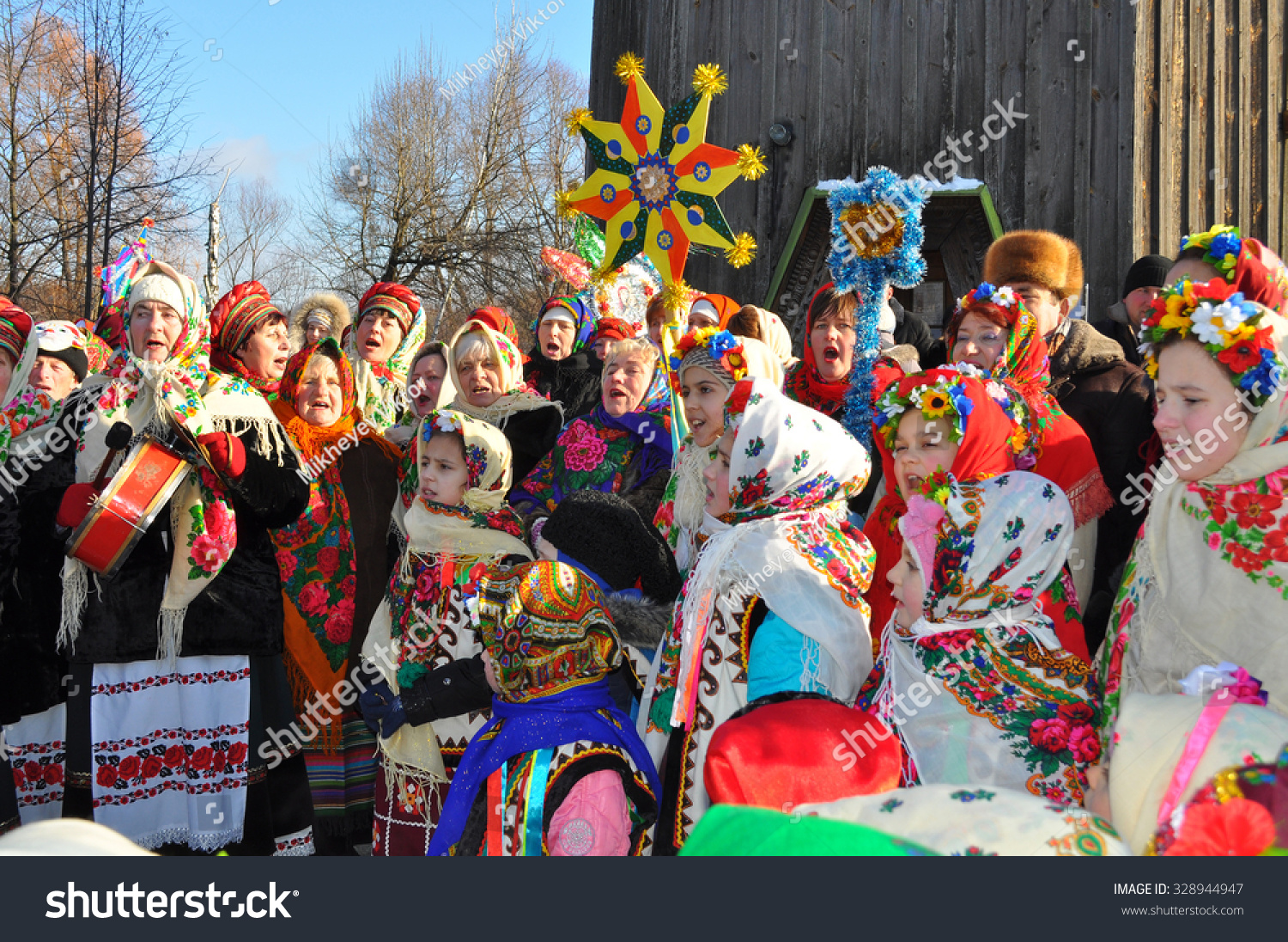 ukrainian christmas date Valentines day should be every day of the year christmas traditions around the world christmas in ukraine sviata vechera or holy supper is the central tradition of the beautiful christmas eve celebrations in ukrainian homes.