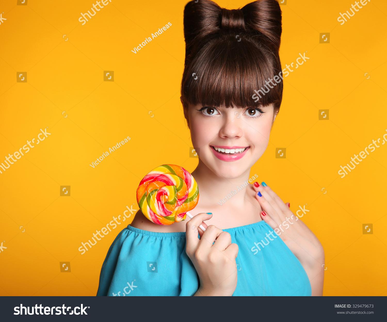2 lollipop licking teens suck fat cock 10