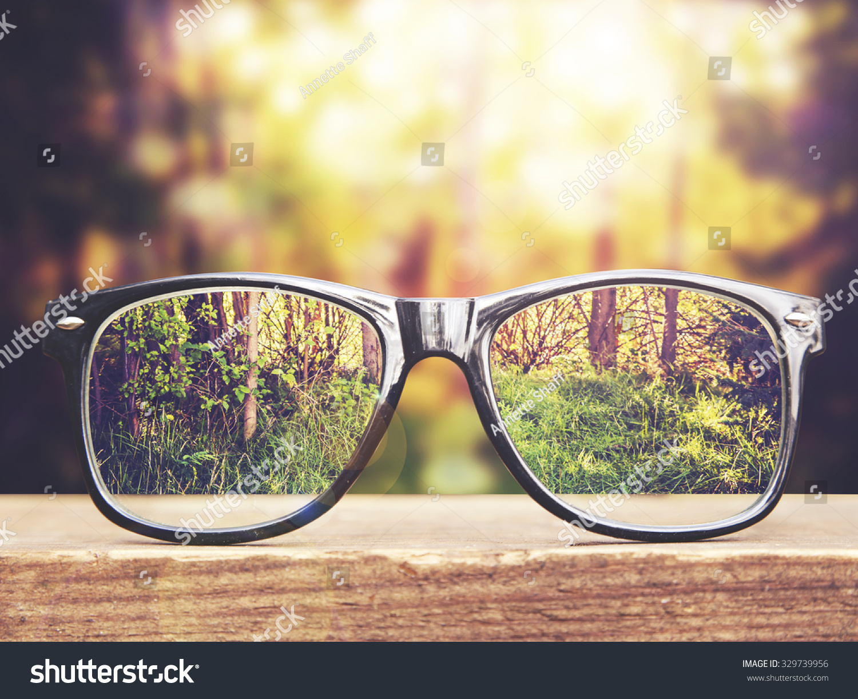Hipster Glasses On Park Bench Table Imagen De Archivo