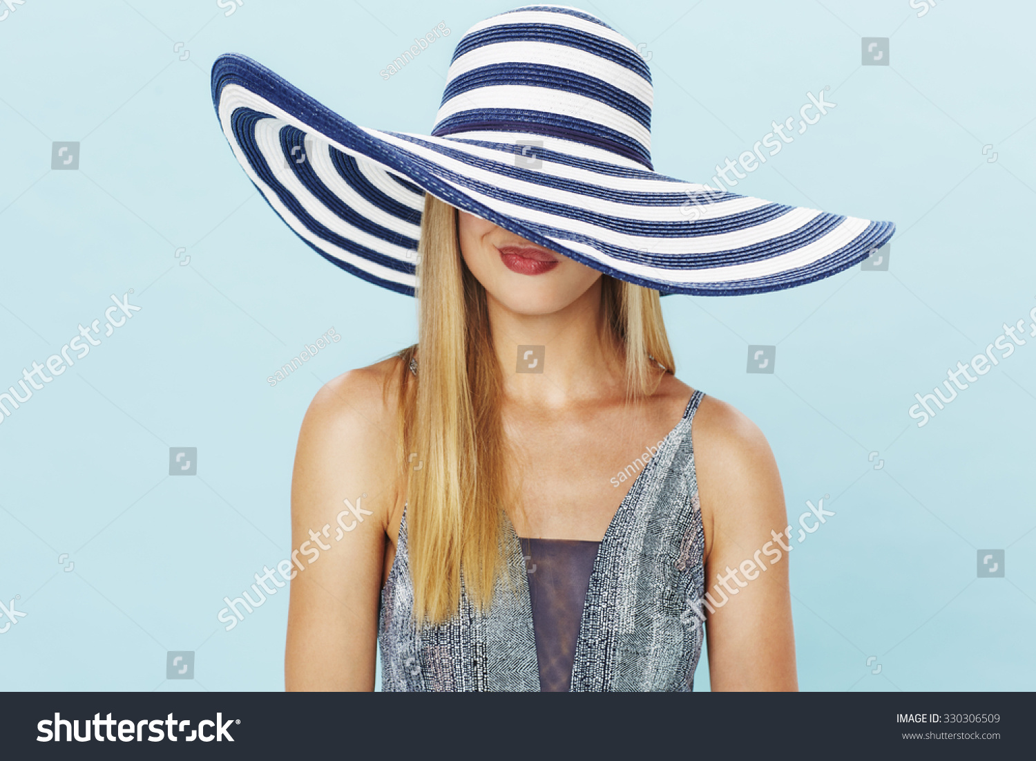 d6bd107437f2f Pouting Young Lady Summer Hat Stock Photo (Edit Now) 330306509 ...