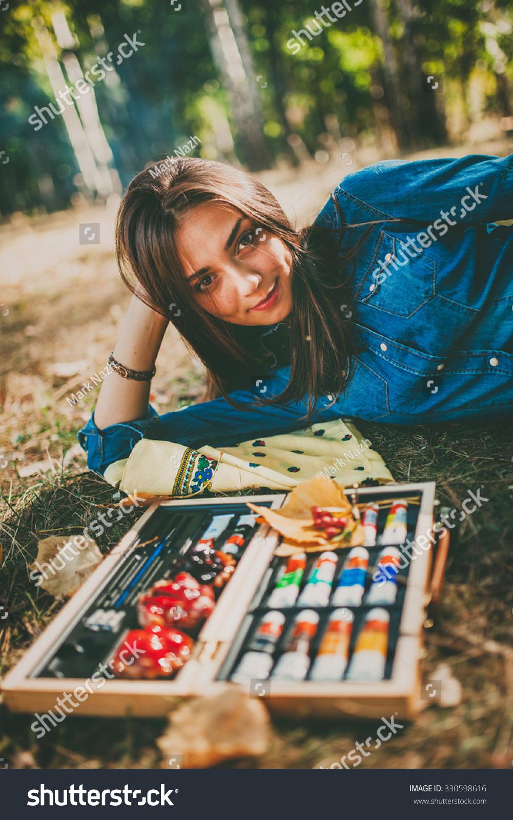 Cute Artistic Teen Girl Painter Her Stock Photo 330598616 -5631
