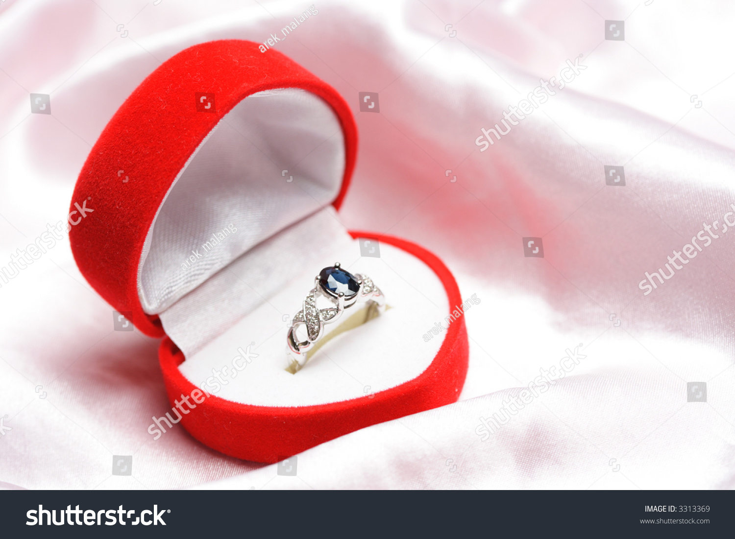 Diamond Sapphire Ring Jewelry Box Stock Photo (Safe to Use) 3313369 ...