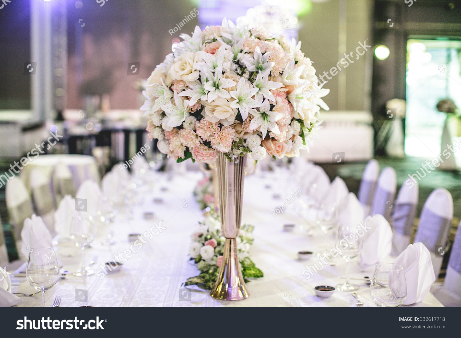 Wedding Flowers On Table Dinner Stock Photo (Royalty Free) 332617718 ...