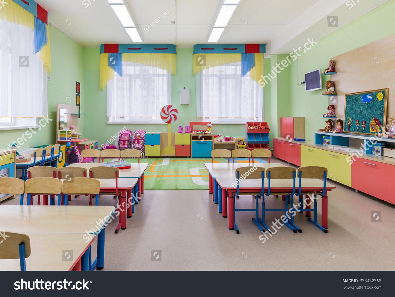 Beautiful design dressing rooms in kindergarten 51