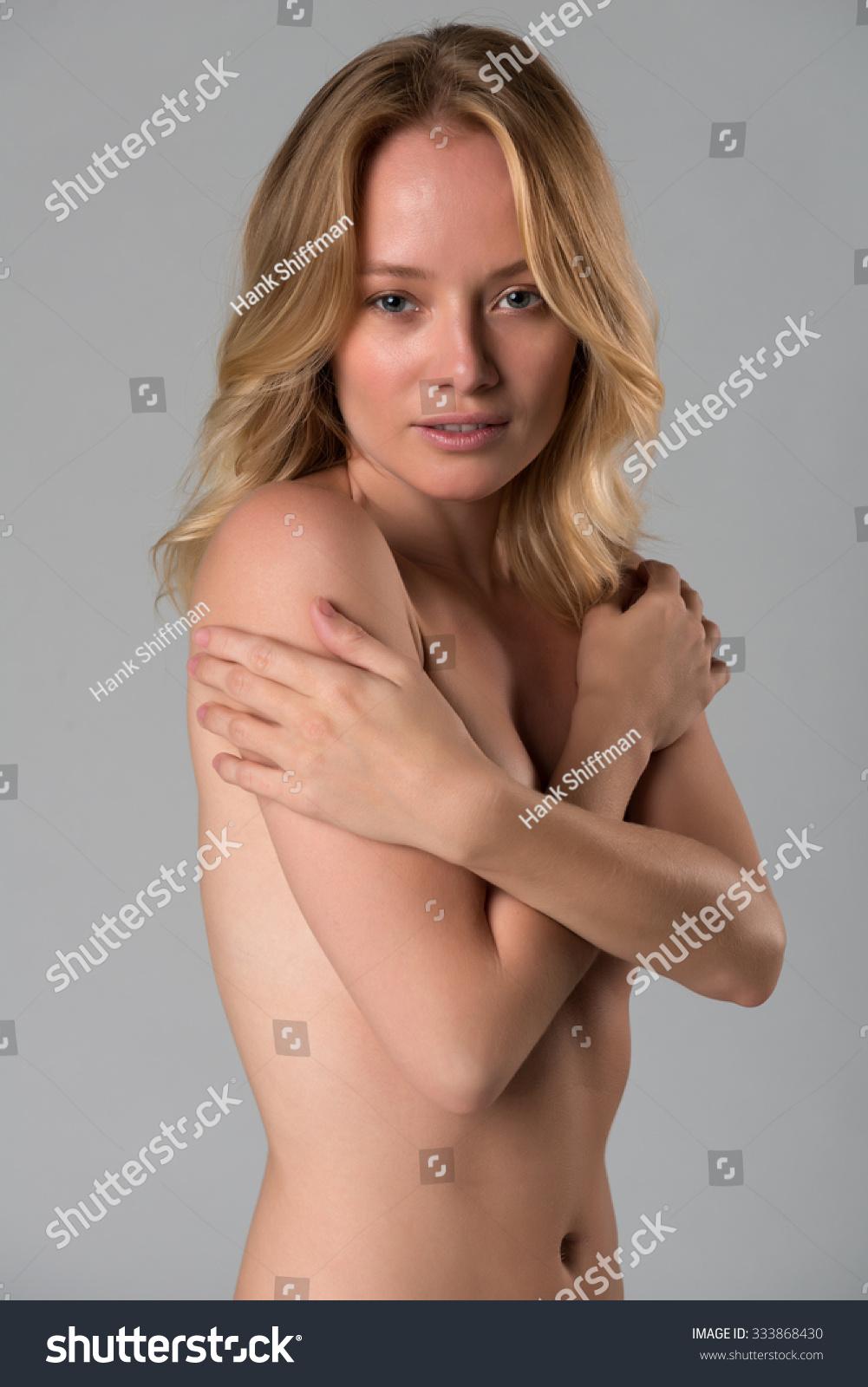 FERN: Hungarian girl nude pics