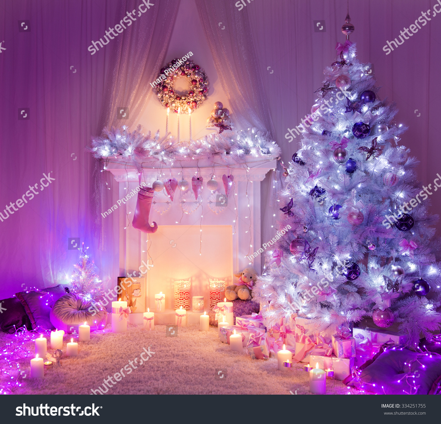 Christmas tree with presents and lights - Christmas Room Fireplace Tree Lights Xmas Home Interior Decoration Hanging Sock And Presents