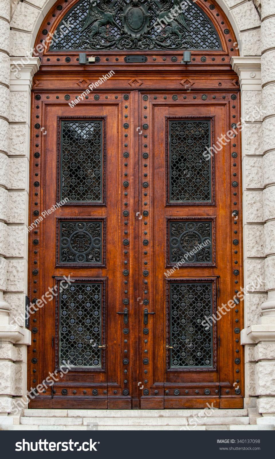 Doors of Museum of Art History Vienna Austria & Doors Museum Art History Vienna Austria Stock Photo 340137098 ...