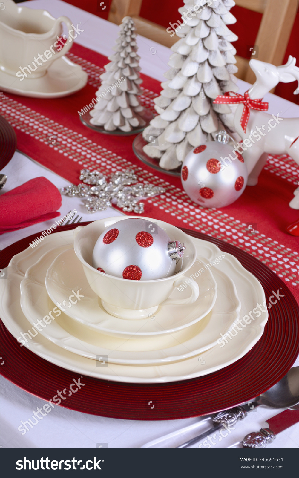 red and white Christmas Table Setting with fine china place setting ...