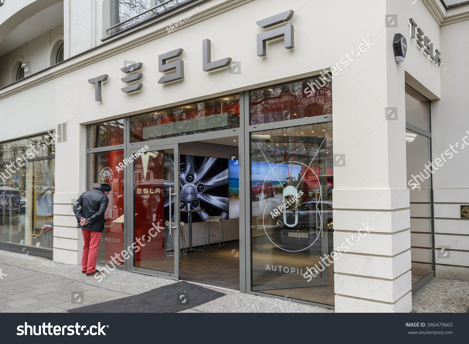 Berlin april 14 entrance tesla store stock photo 346479665 ...