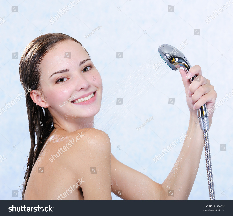 adult females pics taking shower
