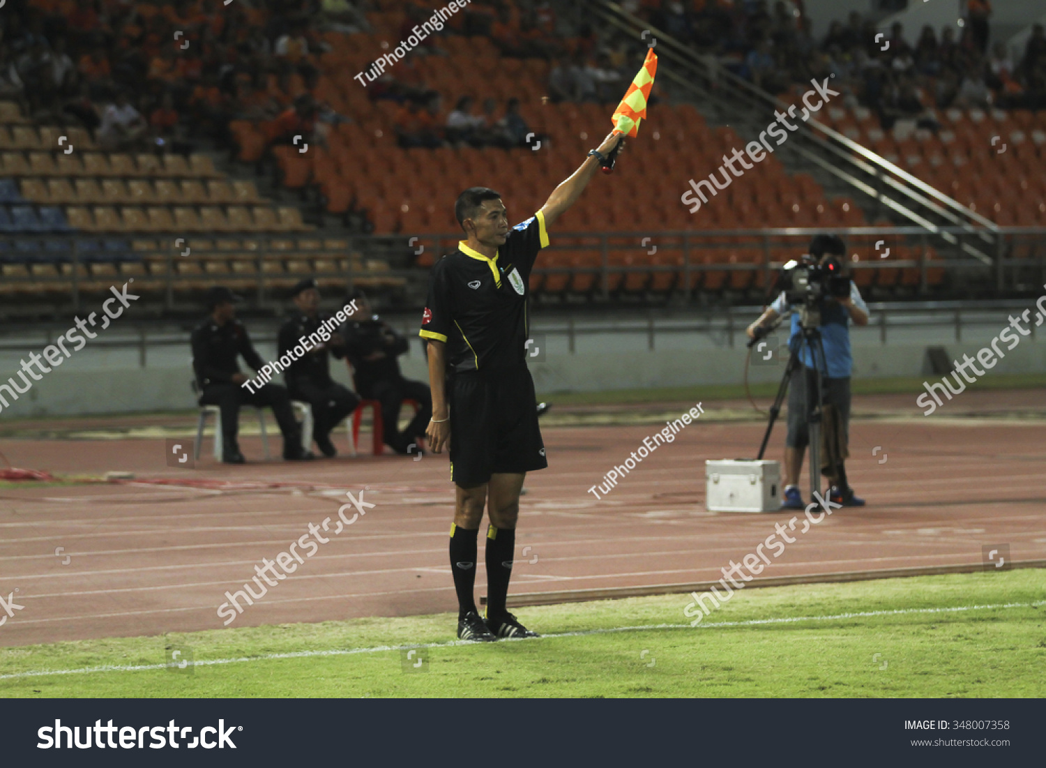Nakhonratchasima Thailand  city photo : NAKHONRATCHASIMA THAILAND NOV28:Assistant football referee and Referee ...