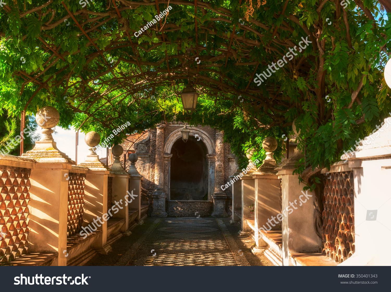 Pergola Park Villa D Este Tivoli Stock Photo (Edit Now) 350401343 ...