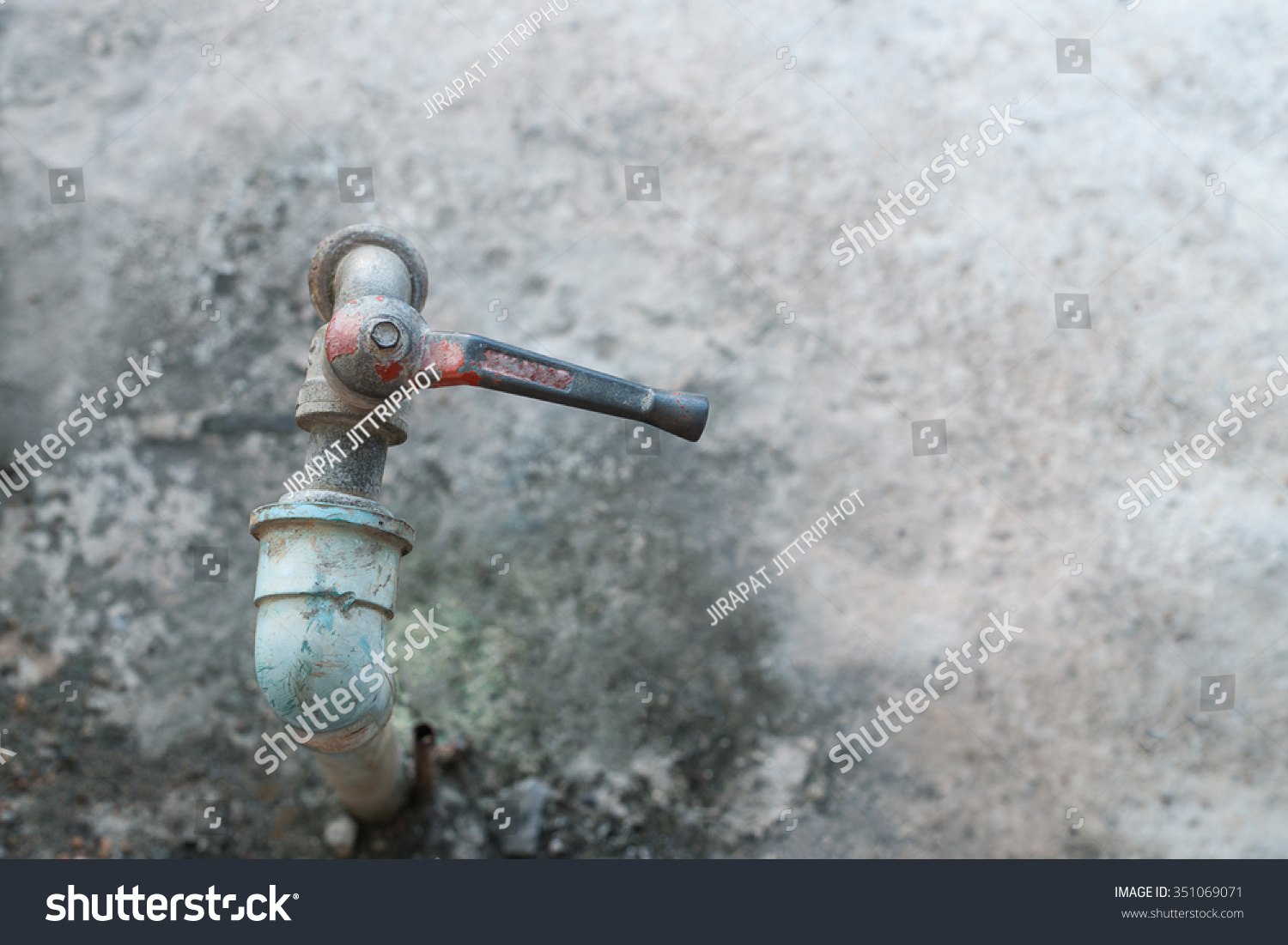 Old Faucet Rusty Water Tap Vintage Stock Photo (Royalty Free ...