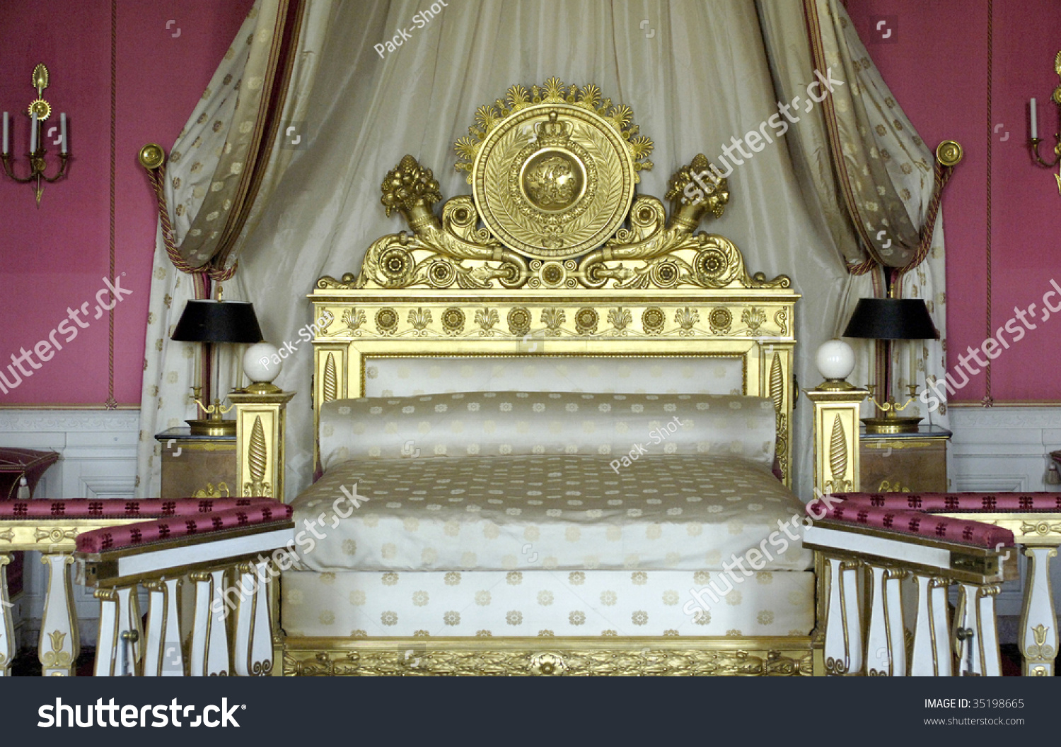 France Versailles Palace Queen Bedroom Grand Stock Photo Edit Now 35198665