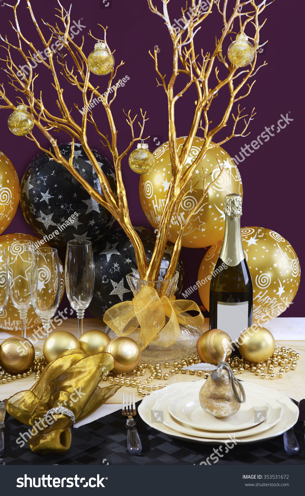 Happy New Years Eve Elegant Dinner Stock Photo 353531672 ...
