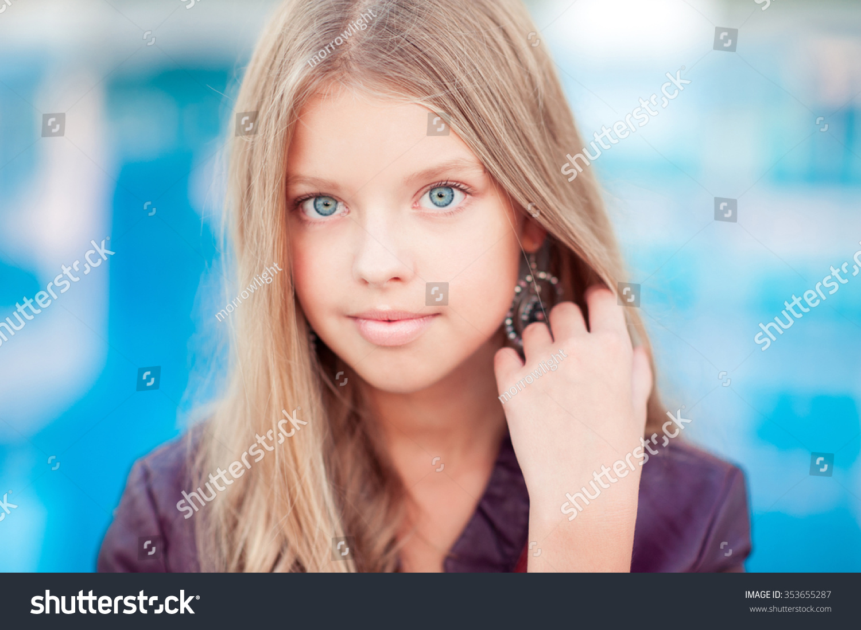 Smiling Blonde Teen Girl 1416 Year Stock Photo 353655287