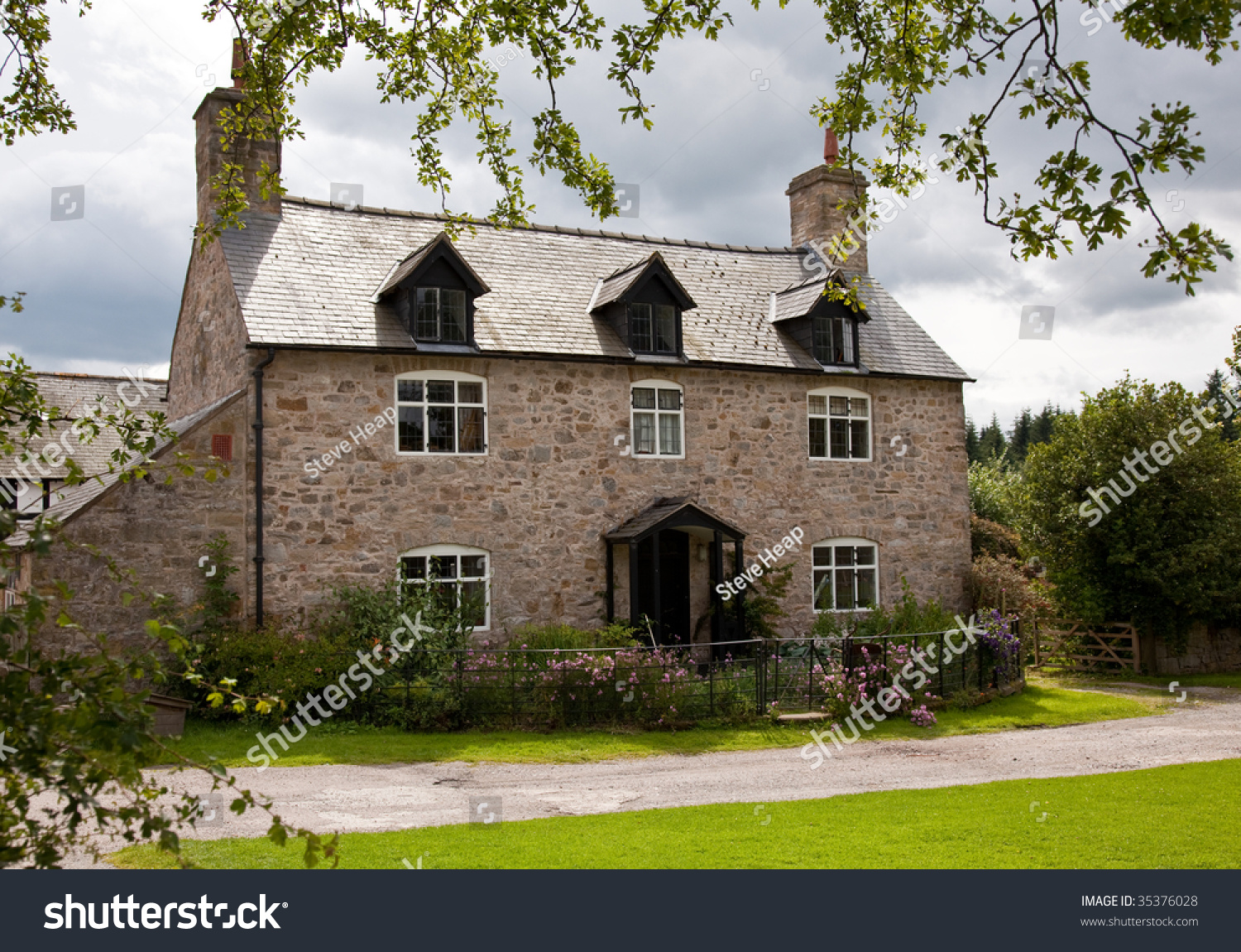 Old Stone Cottage In Rural English Farm Setting