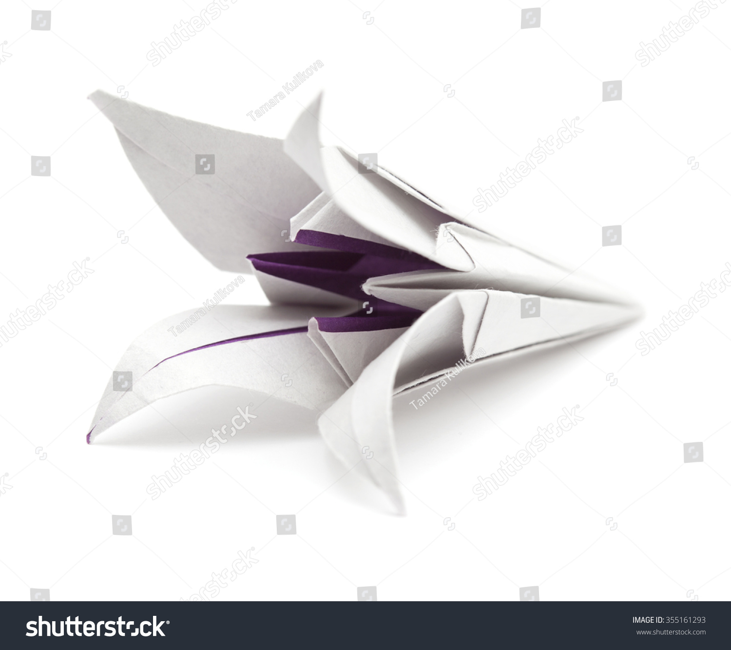 How to Make an Origami Lily Flower « Origami :: WonderHowTo | 1333x1500
