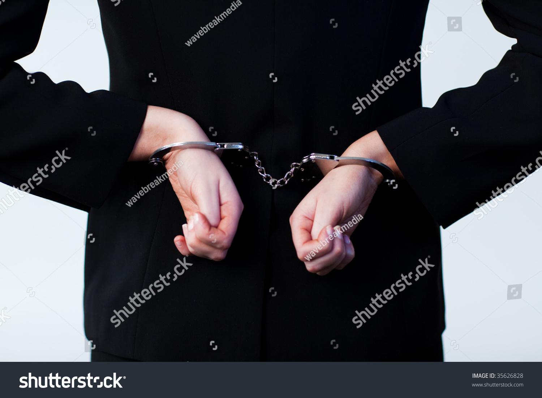 Фотосессии девушек в наручниках 1 фотография