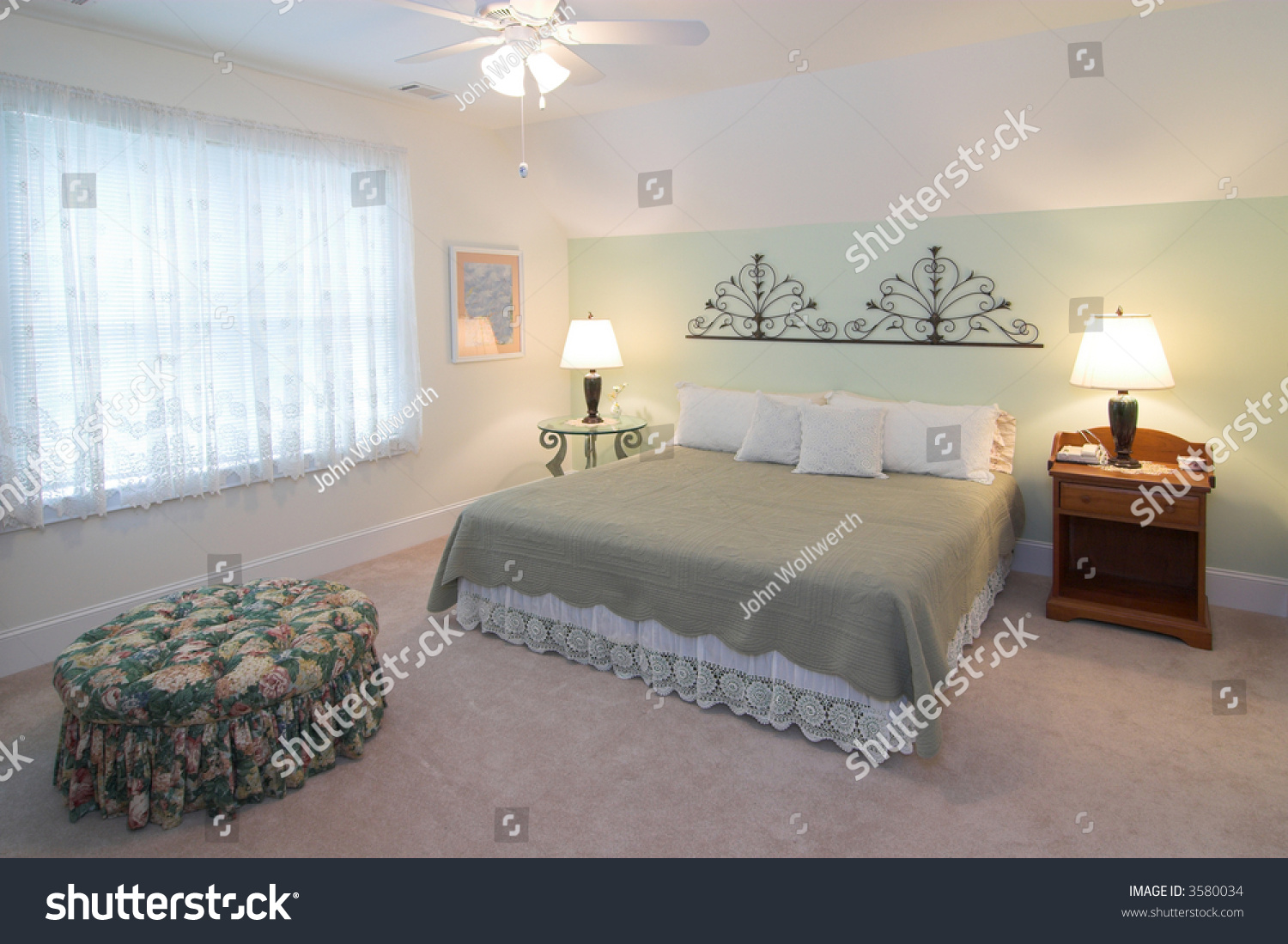 Simple Master Bedroom With King Size Bed Stock Photo 3580034 Shutterstock