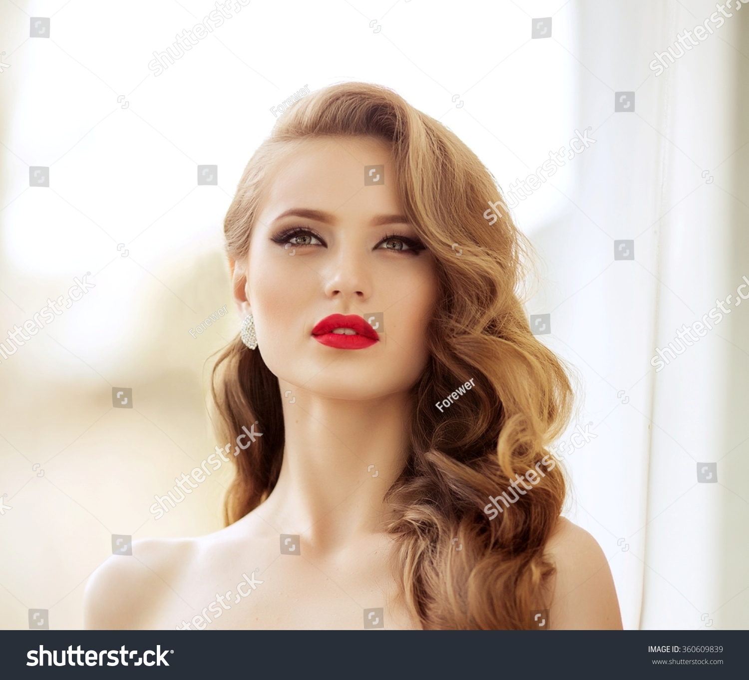 Fashion Beauty Model Girl Stock Image Image Of Manicured: Beautiful Fashion Model Woman With Hair, Red Lipstick