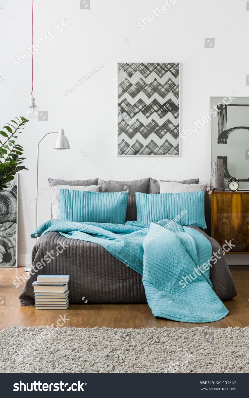Matrimonio Bed : Interior homey bedroom marriage bed stock photo