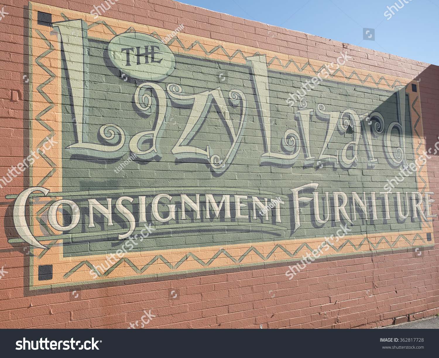 Good Cave Creek, Arizona, USA   14.01.2016: Lazy Lizard Consignment Furniture  Advertisement