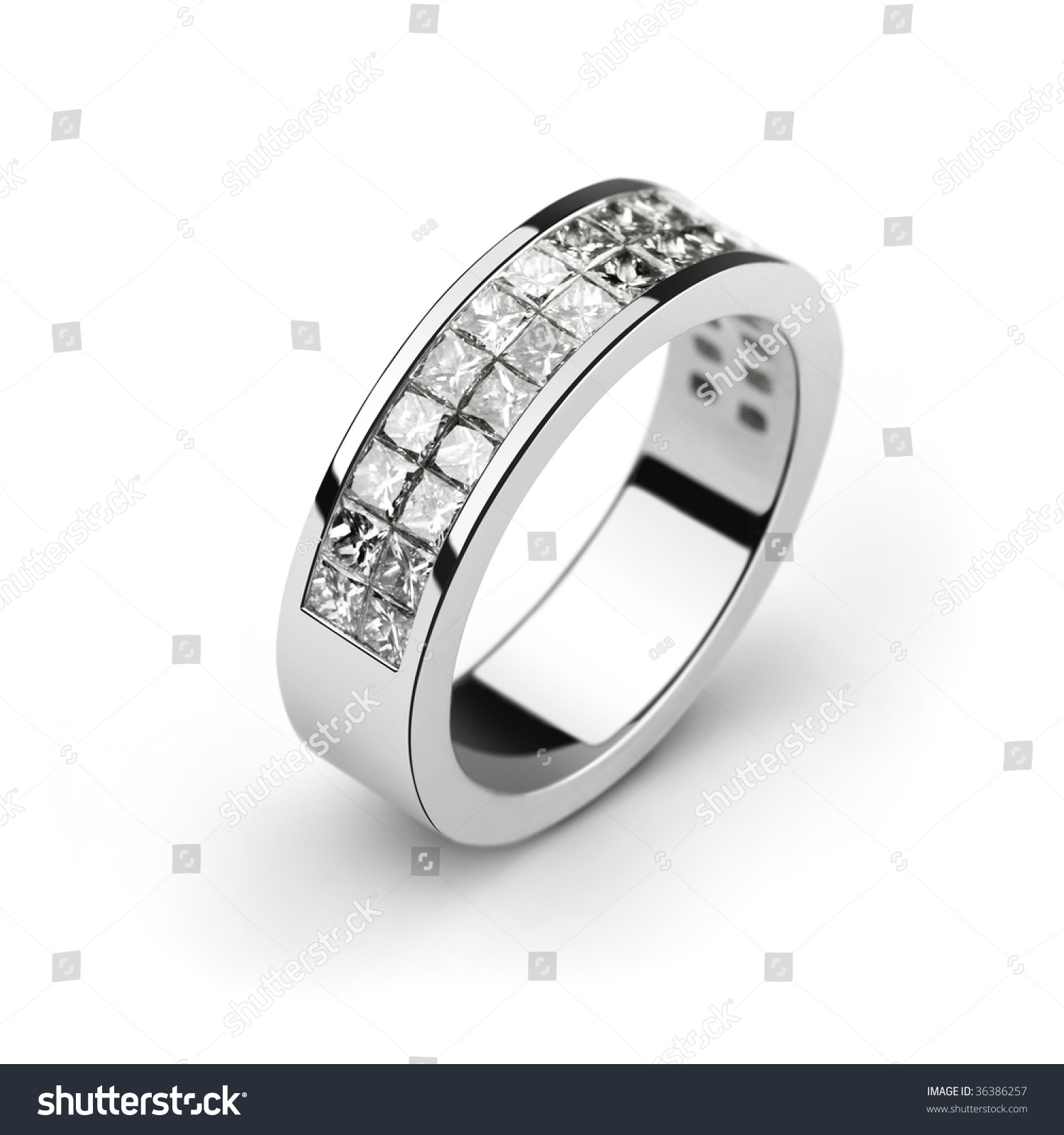 photo of white gold wedding ring with white diamonds cut