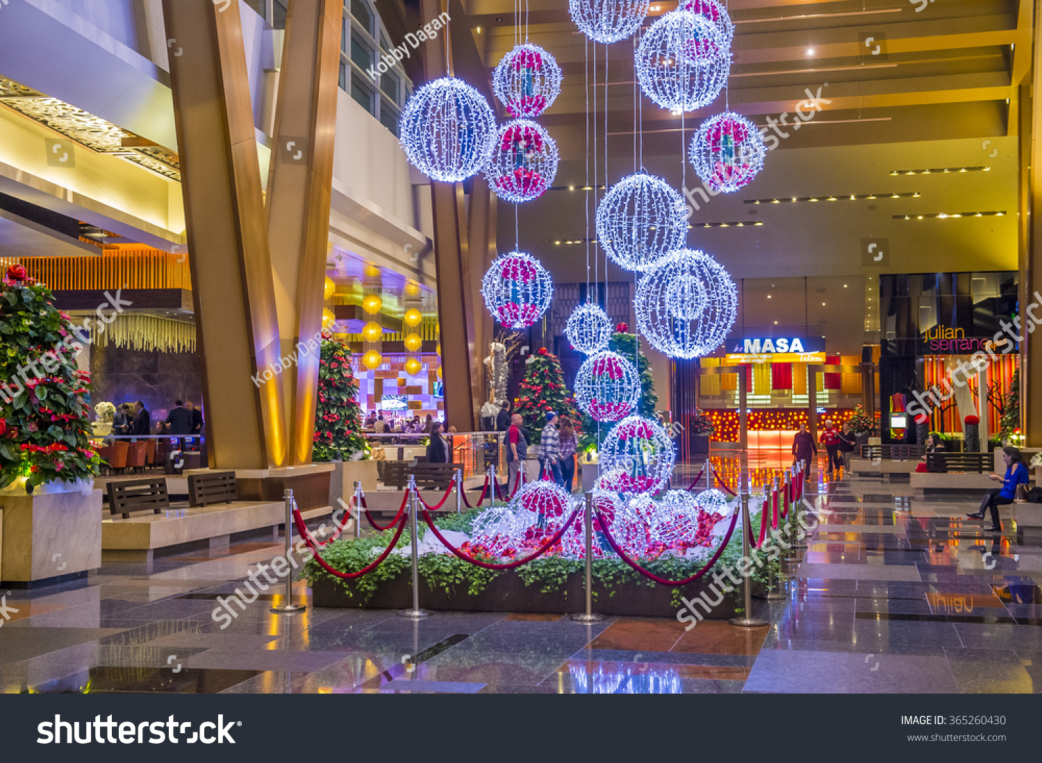 Las Vegas Dec 18 Christmas Decorations Stock Photo Edit Now