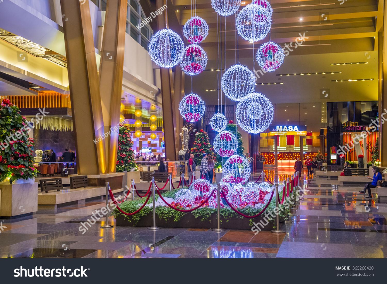 Las Vegas Dec 18 Christmas Decorations Stock Photo Edit Now