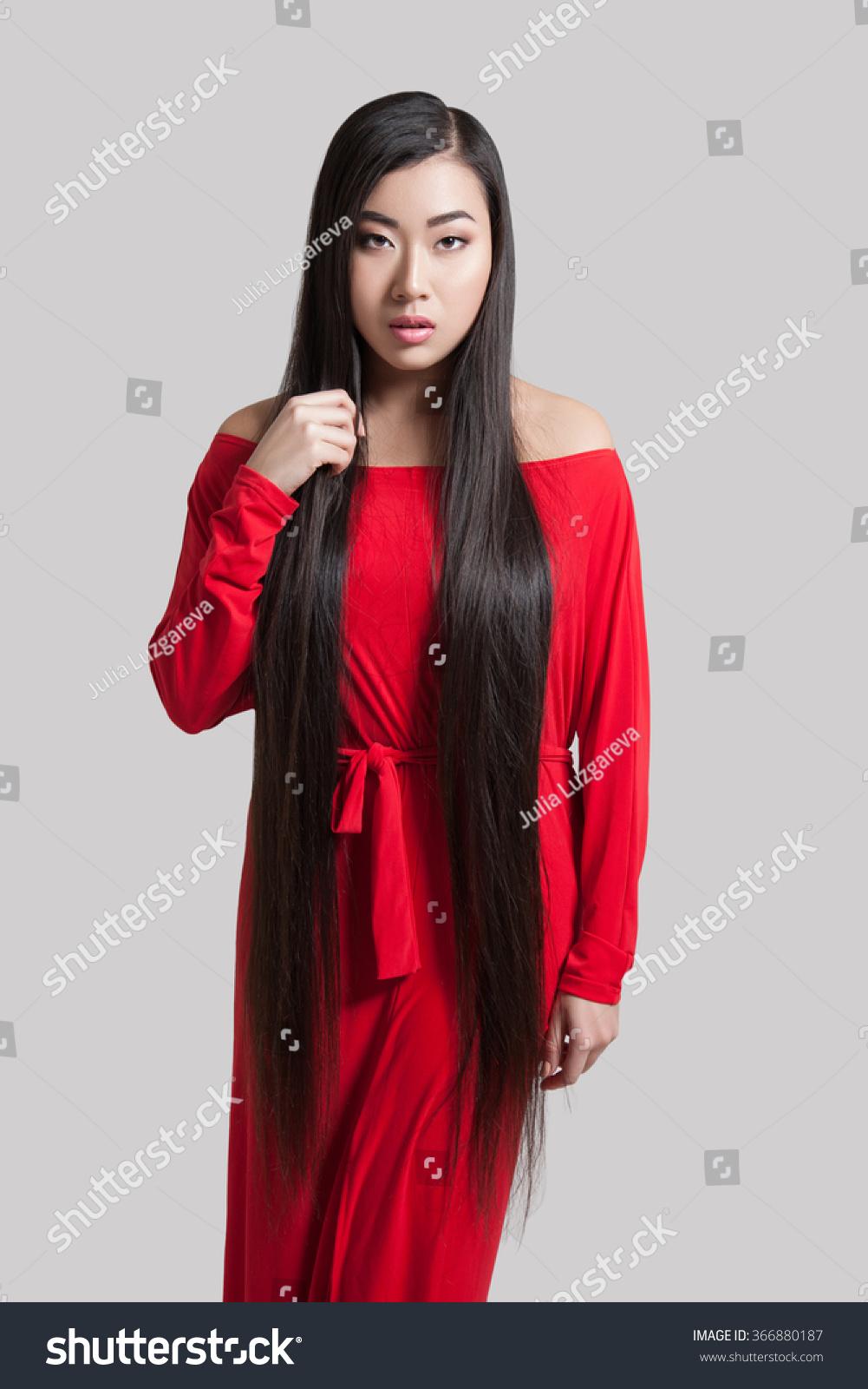 brunette teen anal solo