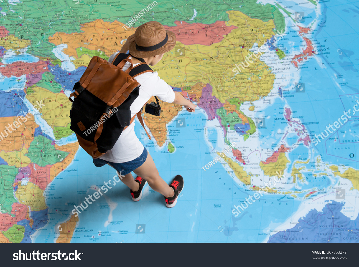 Women Traveler Planning Tour Her Standing Photo 367853279 – World Map For Travel Planning