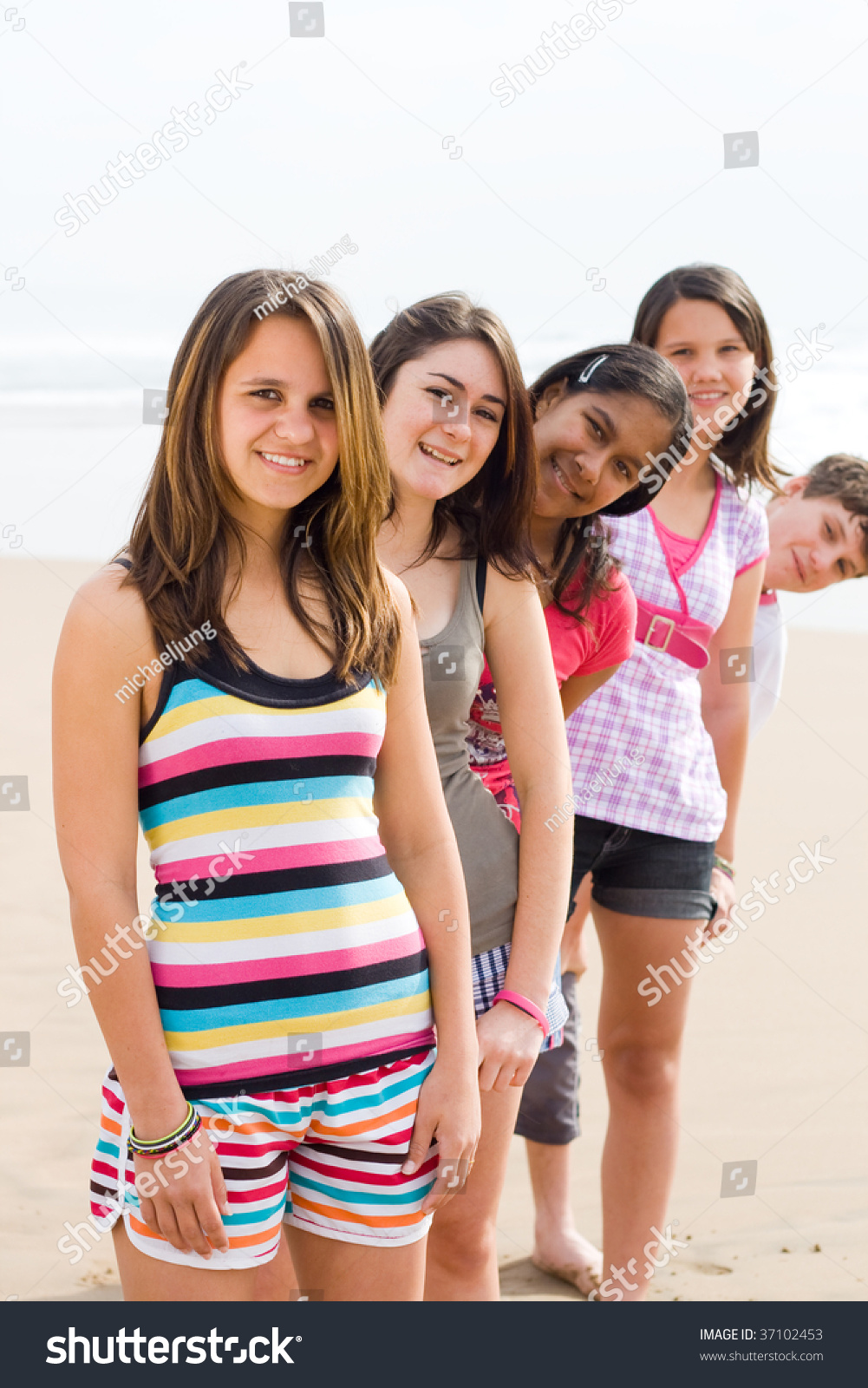 girls group teen Young