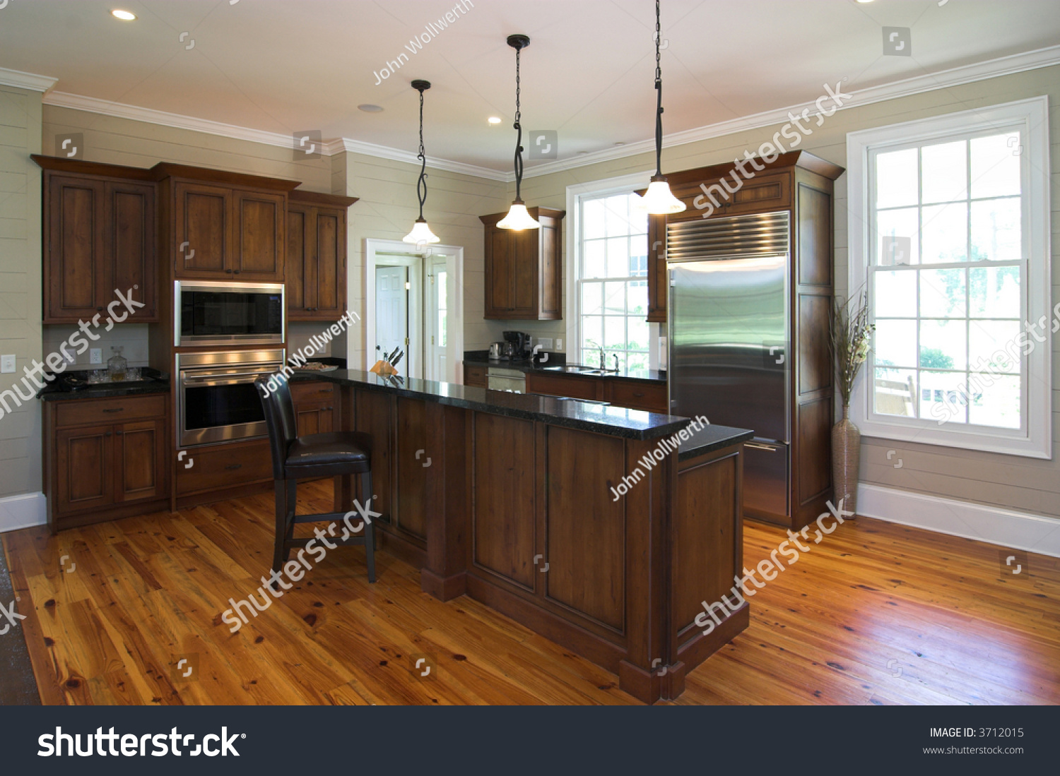 Luxury Kitchen Flooring Luxury Kitchen In Affluent Home With Heart Pine Floors And Granite
