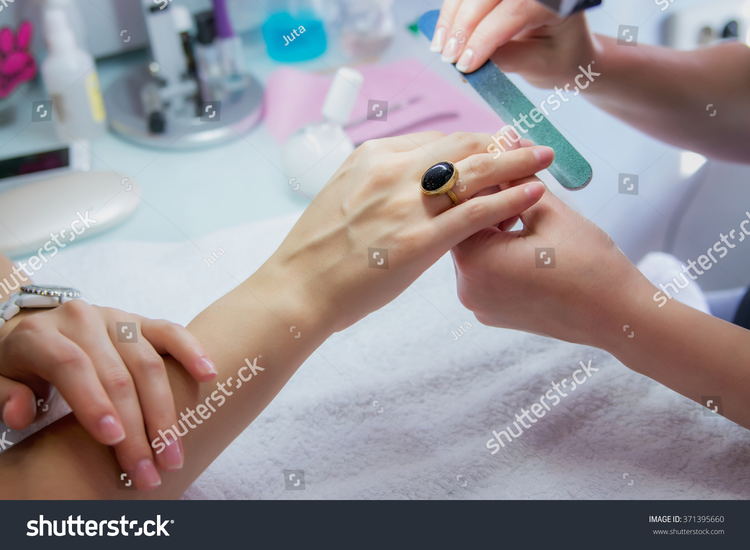 how to become a beautician in india