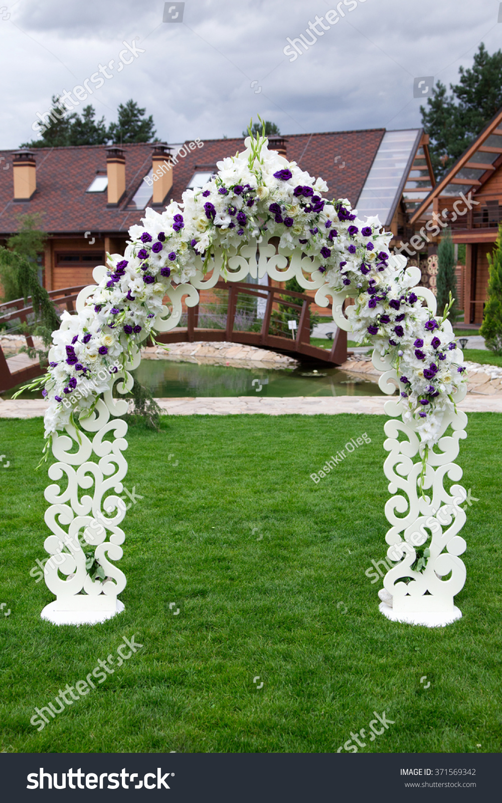 Wooden Arch And Chairs At Wedding Ceremony Stock Photo 371569342 Shutterstock
