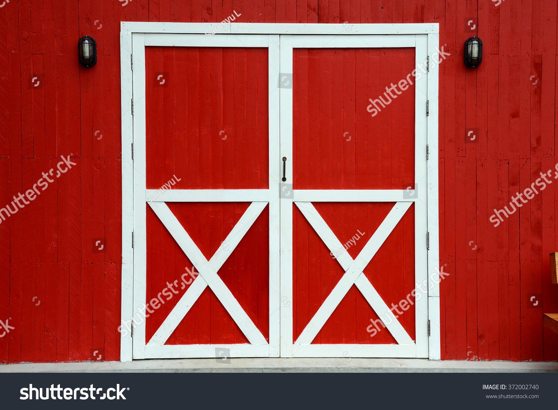 Red Barn Door Stock Photo 372002740 - Shutterstock