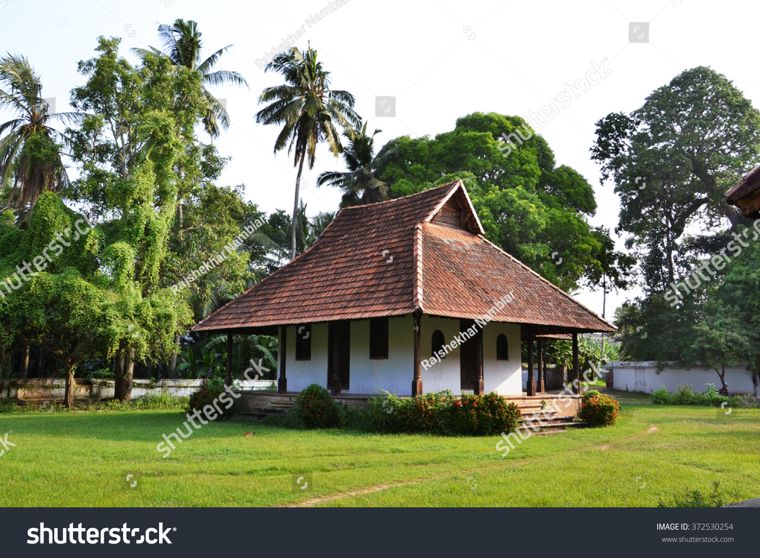 Kerala traditional houses old interior inspiration for Old traditional houses