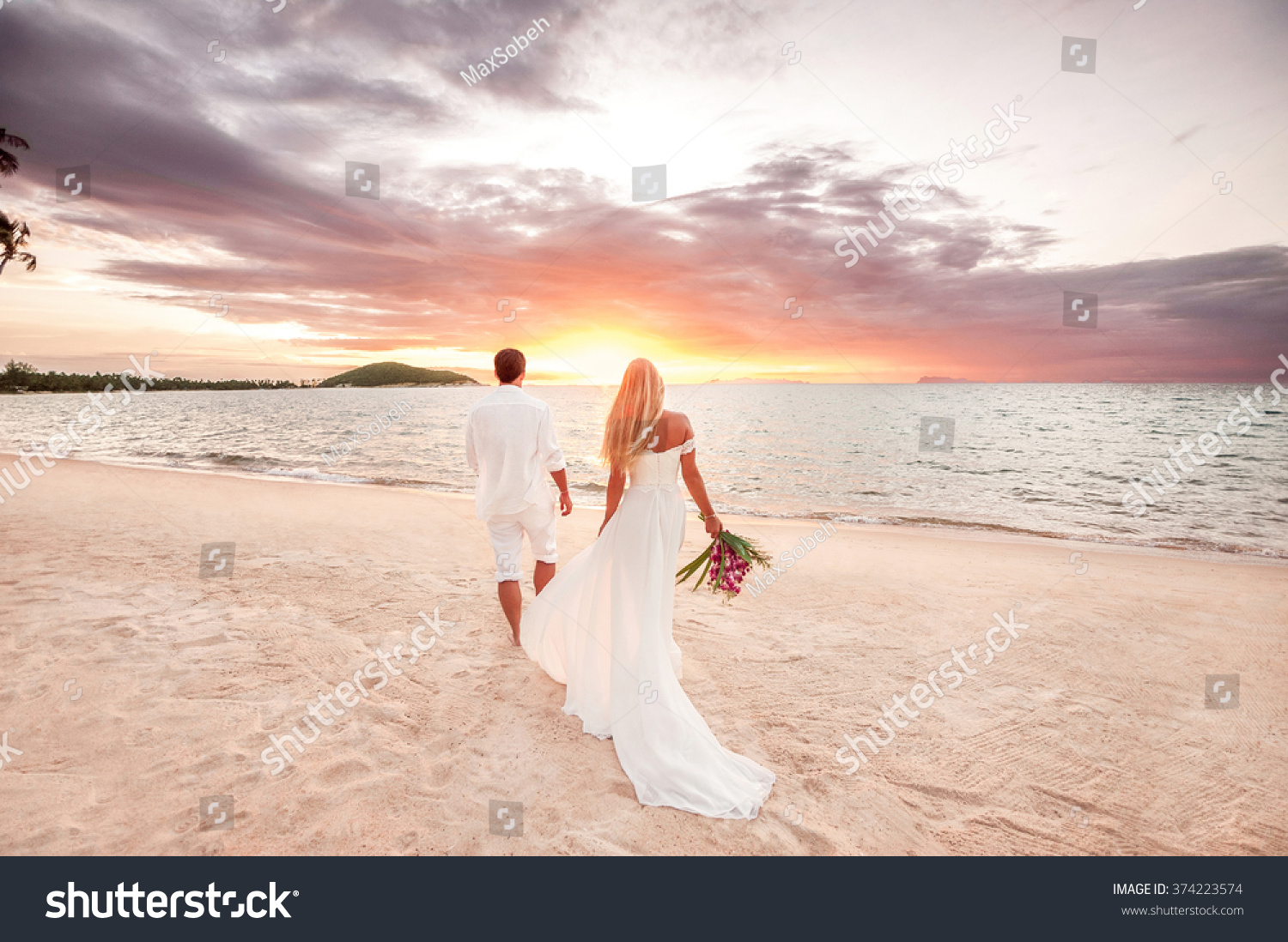 beautiful couple sunset near oceanhoneymoon romantic stock photo 374223574 shutterstock. Black Bedroom Furniture Sets. Home Design Ideas