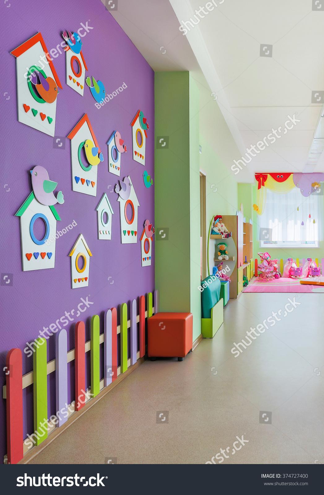 Beautiful design dressing rooms in kindergarten 84