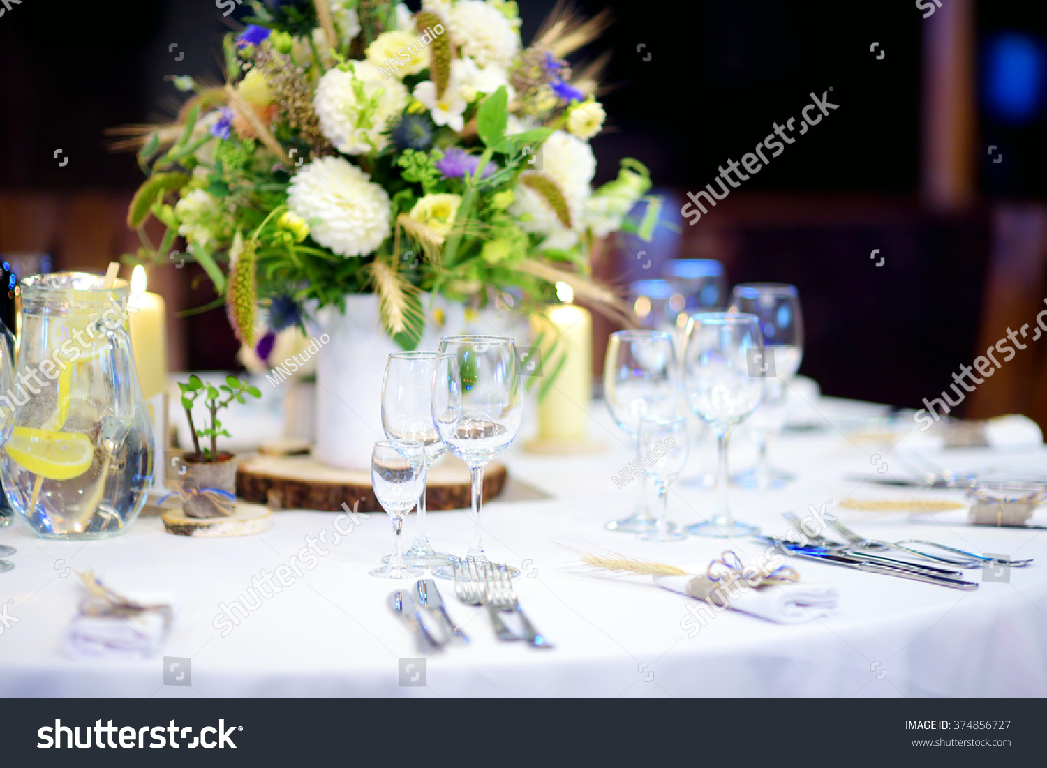 How beautiful to set the table