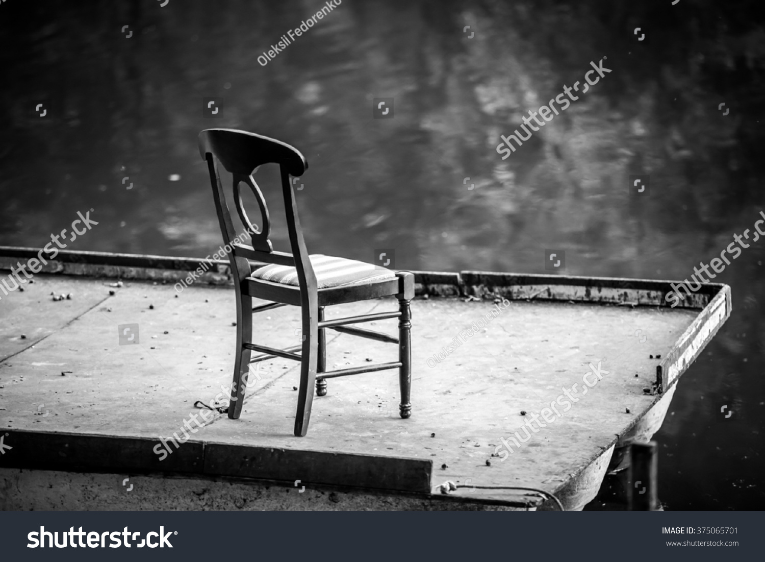Black and white chair photography - Black And White Photography Of Lonely Chair On A Floating Bridge At Lake At Evening