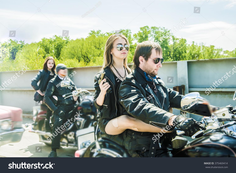 Biker Couple Motorcycle Chopper Style Man Stockfoto (Jetzt ...