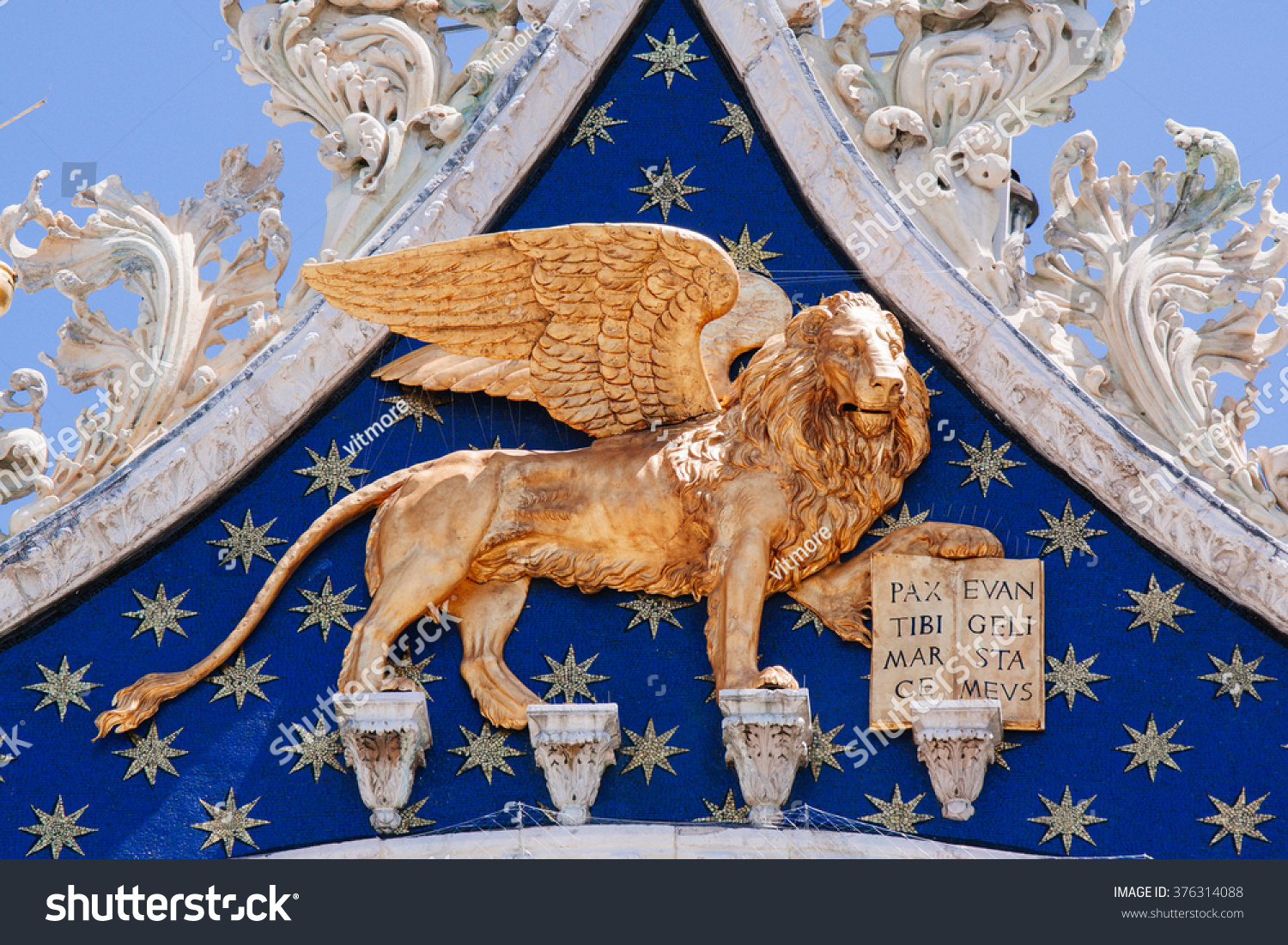 Winged Lion Symbol Venice On Facade Stock Photo Edit Now 376314088